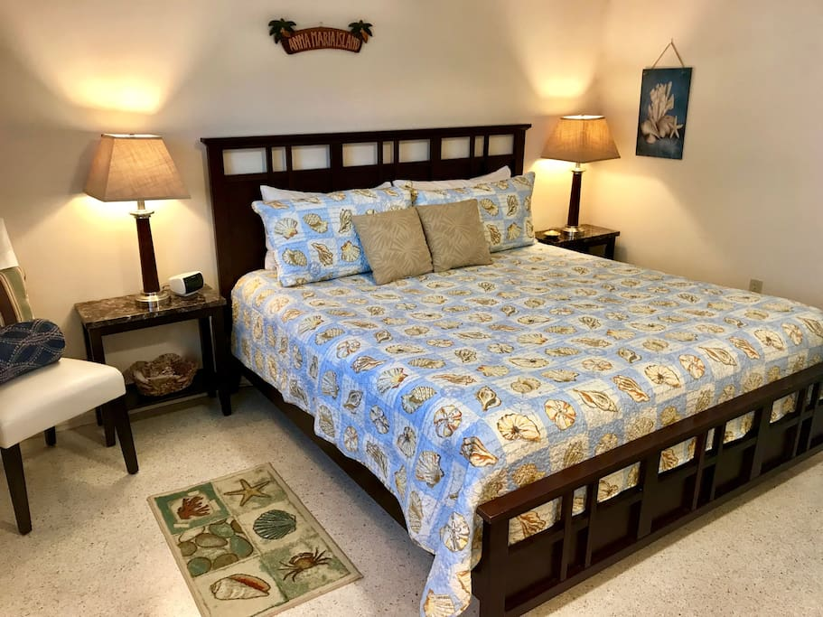 The bedroom set has a premium king pillow top mattress, linen, pillows & 26 inch cable TV