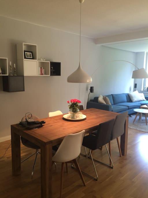 Ess-und Wohnzimmer