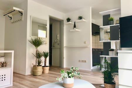 Modernes Single-Apartment // 8 Min. in der City