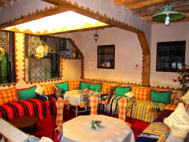 Maison D'hôte chez la famille AMZIL - Tazentoute - Pousada