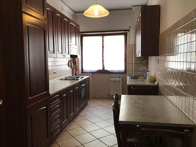 Grande casa Portuense San Camillo Spallanzani - Roma - Condominium