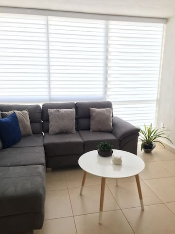 New apartment very close to the airport !!