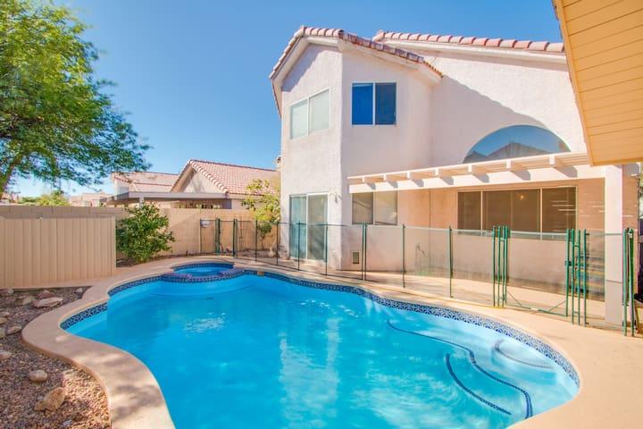 Large House: Pool/spa,sauna,park, BBQ, WIFI & more