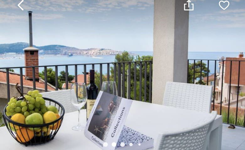 apartment with sea view for two