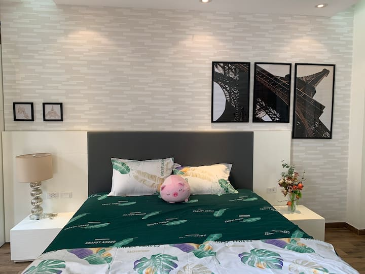 Spacious and cozy room, 3 min walk to West Lake