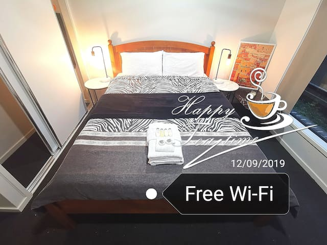 Breakfast Own private Rent room Brisbane CBD 45min