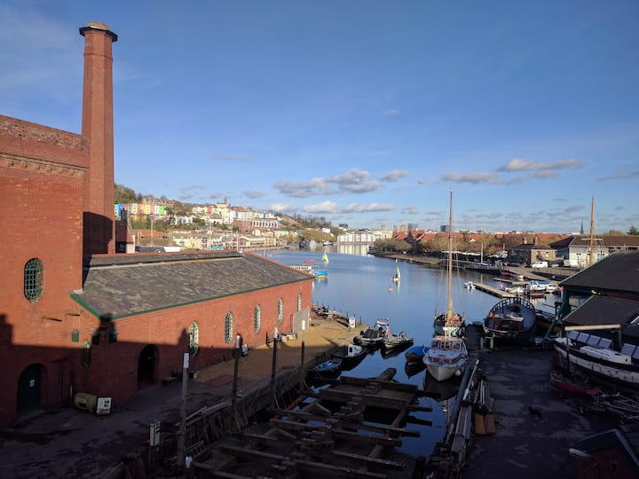 Quayside townhouse on Bristol's historic harbour
