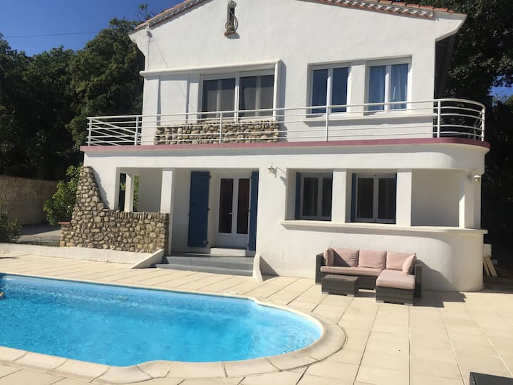 Spacious 5 Bedroom holiday Villa with private pool