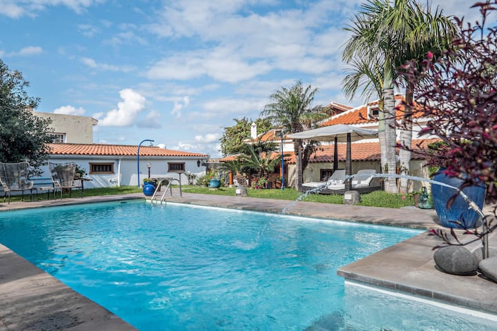 Holiday Apartment La Carpintería with Shared Pool, Terrace, & WiFi; Street Parking Available