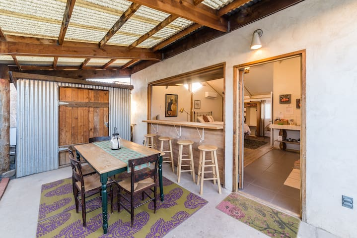 Creative Casita - Open Air Living - Walk to UNM