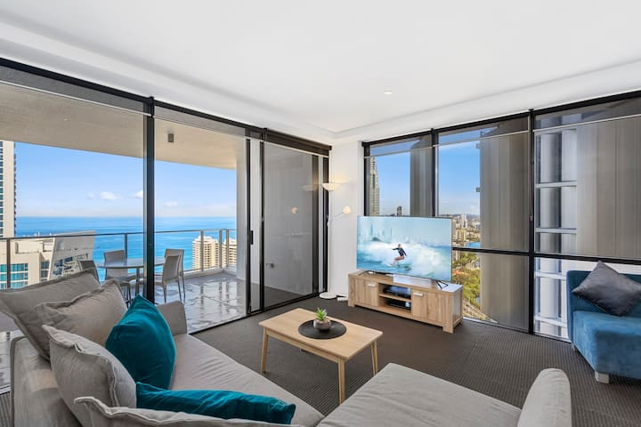 Family 2 Bedroom Ocean unit at Circle on Cavill