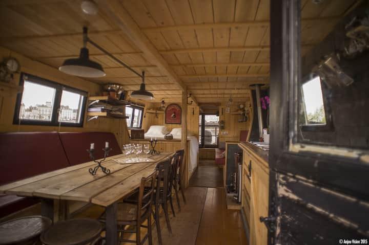 Logement insolite, bateau traditionnel de Loire