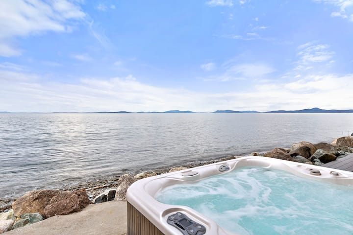 Newly remodeled waterfront home Whidbey Island