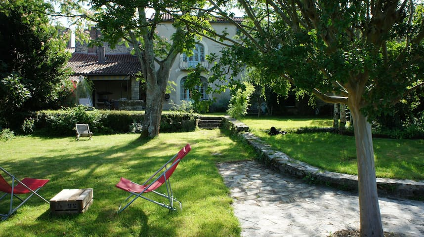 Spacious, Quiet And Sunny 18e house, In Vouvant
