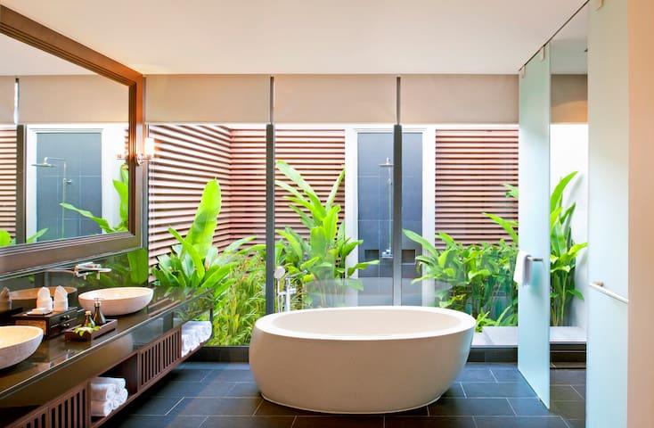 Luxury One Bedroom Pool Villa - Tambon Mai Khao - Villa