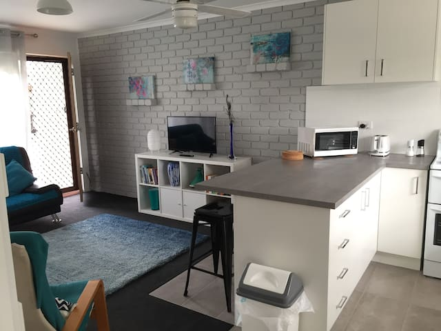Bob's Place Family friendly cosy unit for 2 or 3