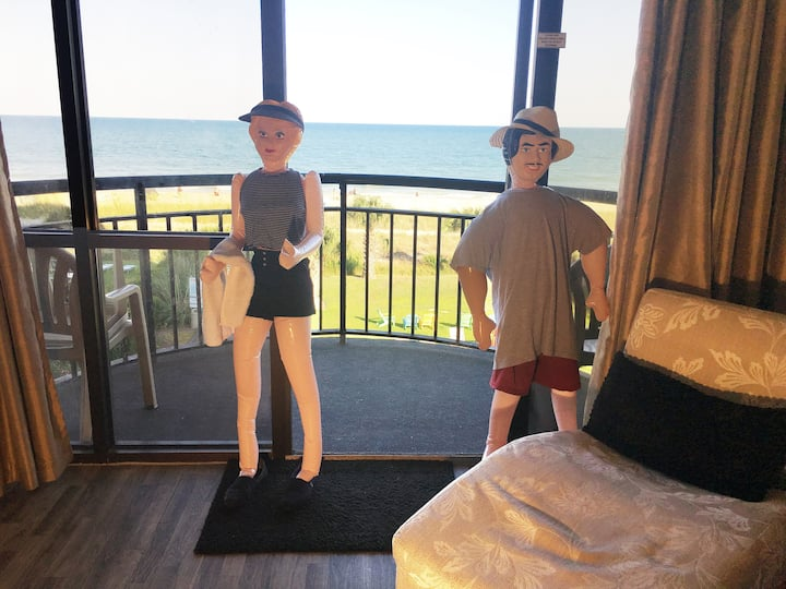 NEWLY REMODELED OCEANFRONT KING - 1 BEDROOM CONDO