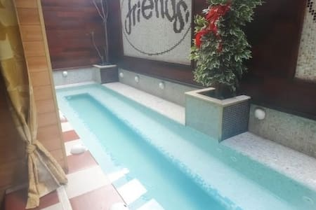 Lovely Apartment Near Slopes with Hot Hotel Pool - Bansko - Lägenhet
