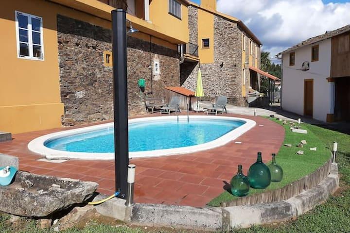 Geräumige Villa mit schwimmbad