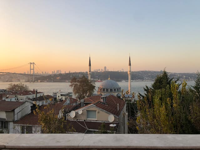 Cosy flat with panoramic Bosphorus view