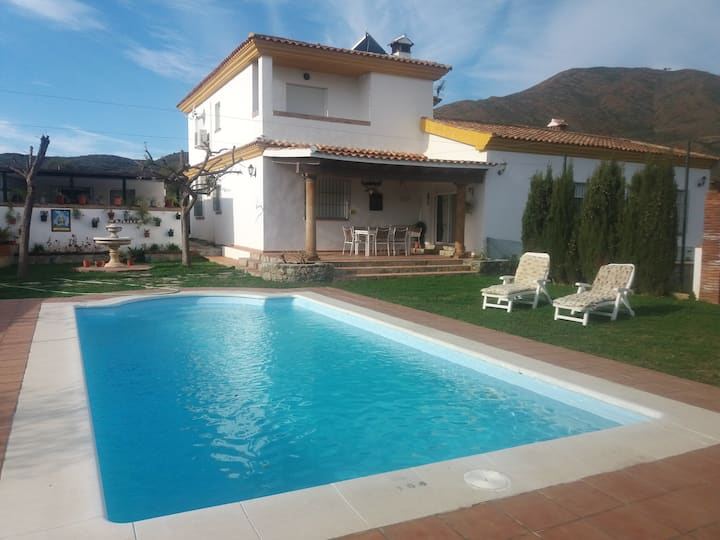 Villa with 4 bedrooms in Mijas, with wonderful mountain view, private pool, enclosed garden