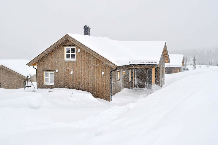 13 person holiday home in Øyer