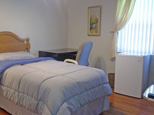 Nice room between Disney & Legoland - Kissimmee - Dům