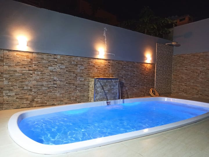 Casa inteira com piscina aquecida - Serra Negra/SP