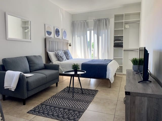 Cute and Cozy Apt! Little Havana/Downtown/Brickell