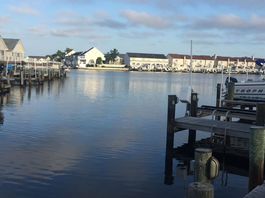 Waterfront view. Enjoy your cup of coffee in the morning out on the water. Or fish,crab, or go kayaking off of the peer.
