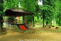 Malakkarethu House A heritage river side homestay