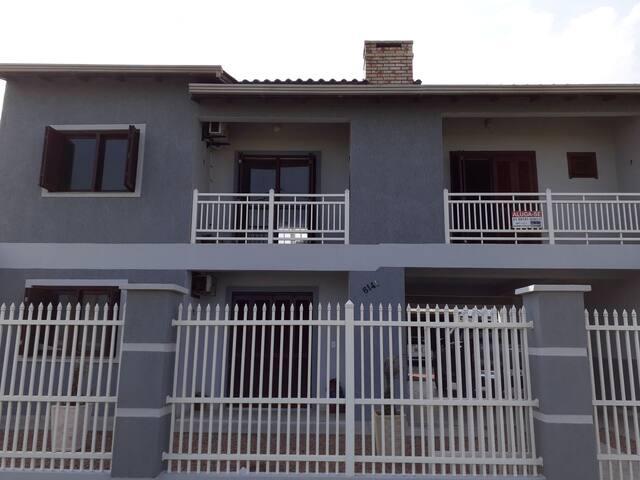 Apartamento segundo andar com vista para o mar 3