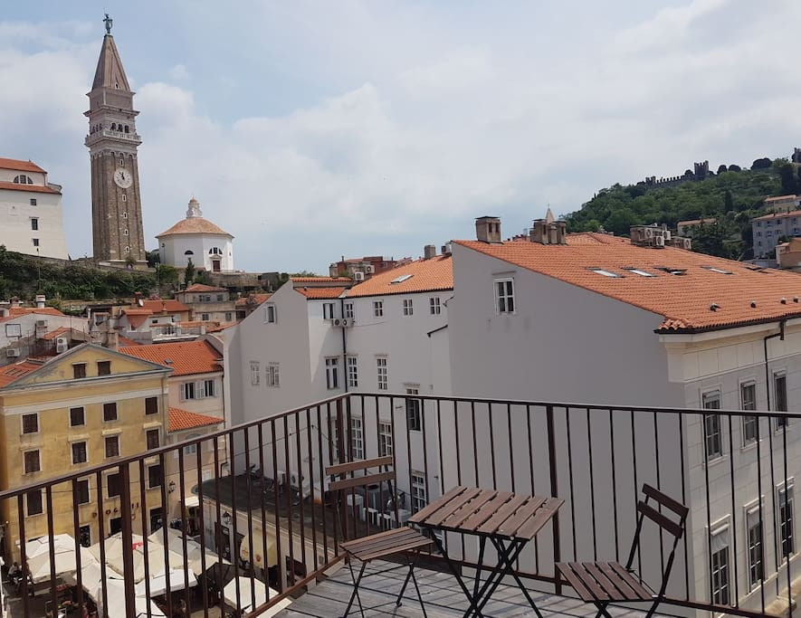 Enjoy a unique roof terrace, shared by guests from 4 apartments. Sea view and panoramic Old Town view!