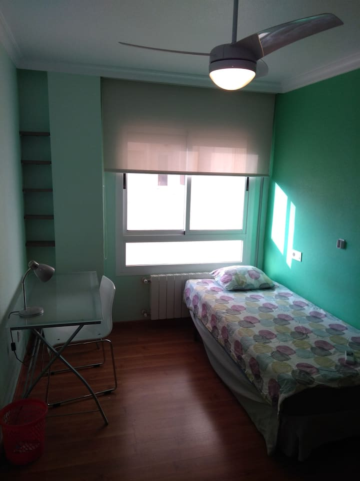 Dormitorio principal / Main Bedroom