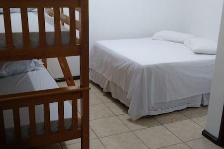 Obelix Hostel - Suite 01 - Rio das Ostras