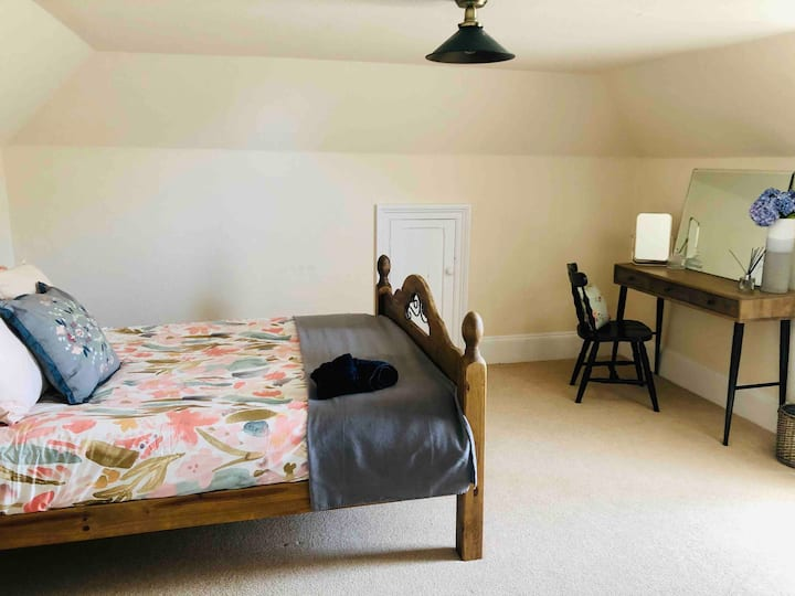 Top floor suite - Private Room