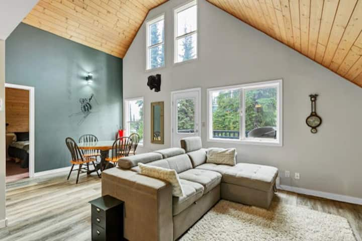 SilverStar - Loft suite with private hot tub