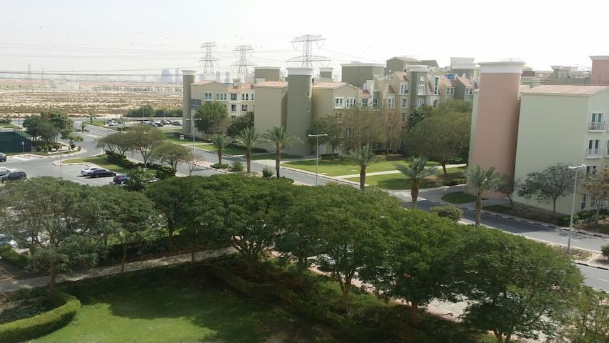 Quiet spacious studio in Discovery Gardens - Dubai