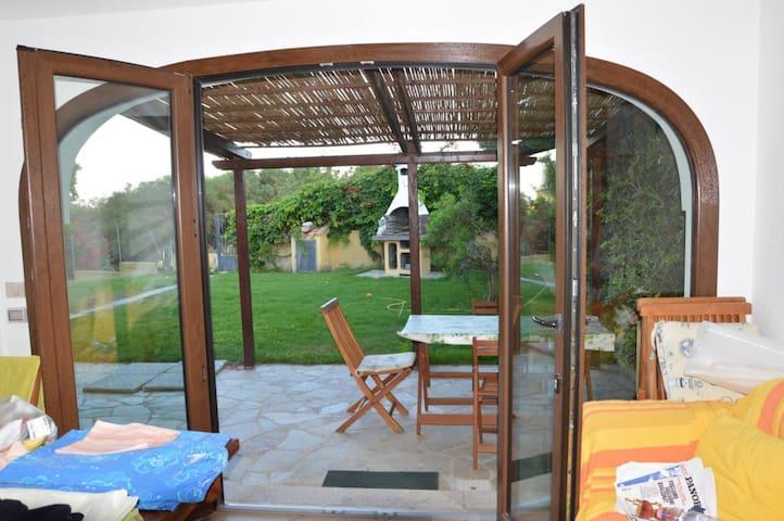 casa vacanza in villa zona Simius