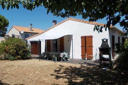 Location maison meschers s/gironde proche royan - Meschers-sur-Gironde - Hus