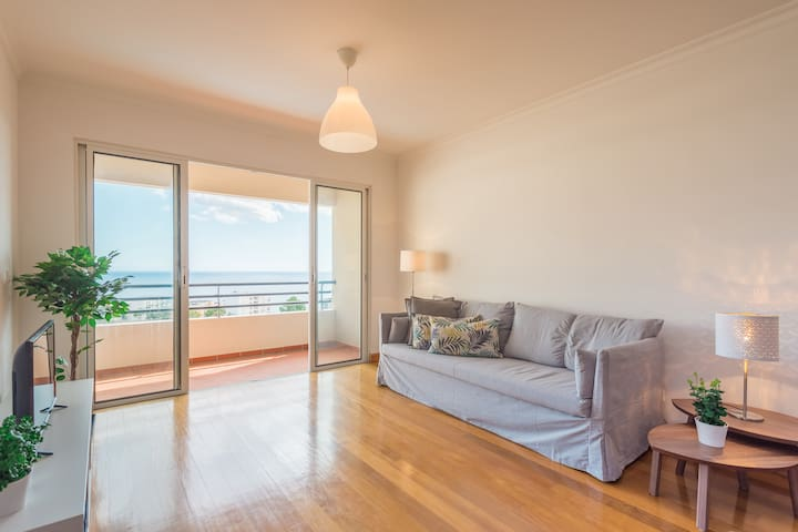 Funchal Sea View Apartment with Pool