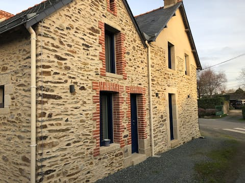 Jolie maison rénovée dans le bourg de Dreffeac