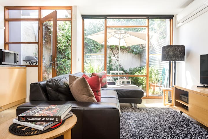 Explore Fitzroy from a Comfortable Modern Home