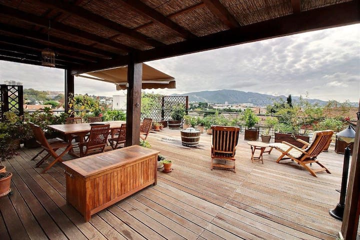 Chambre dans un appartement calme - toit terrasse