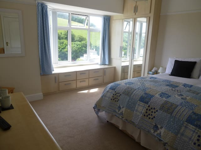 Ensuite room with sea views of Cawsand Bay