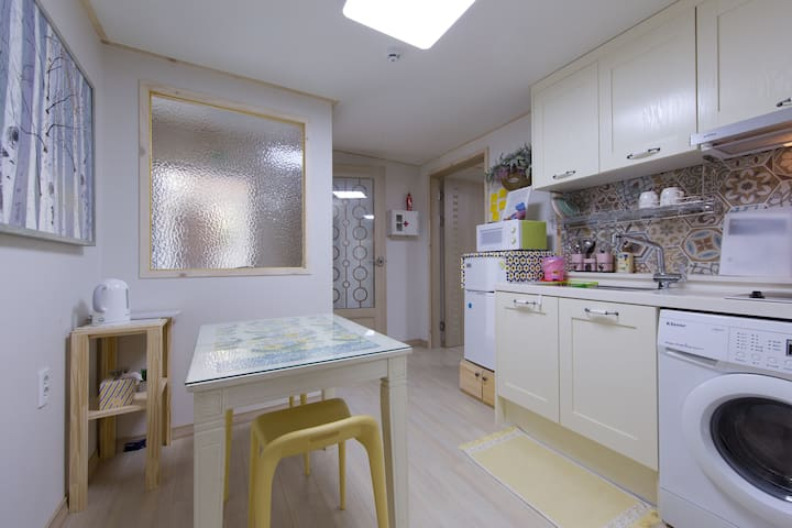 2nd Floor Suite - Haeundae-gu - Ev