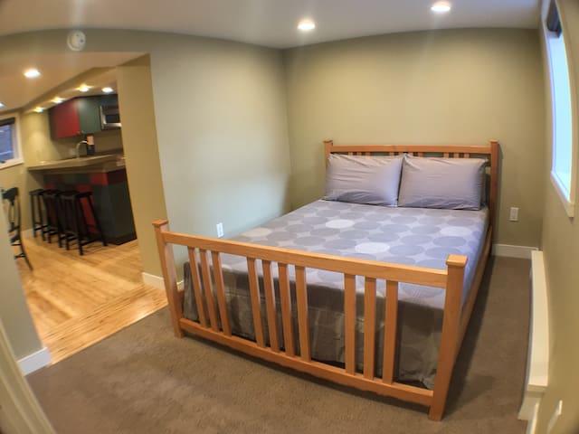 VIEW INSIDE BEDROOM