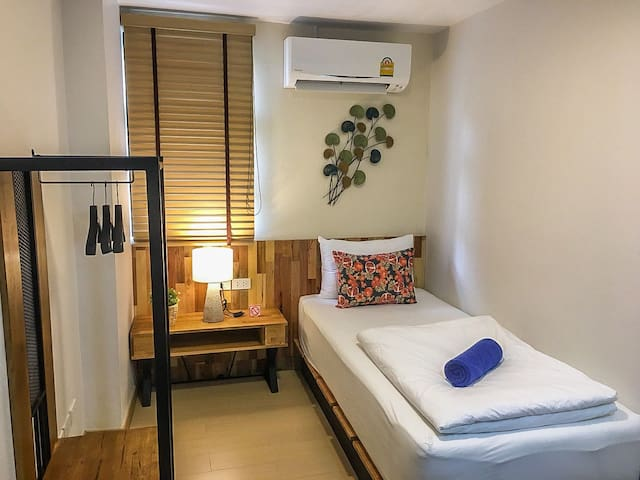 Economy Single room near Khaosan Road