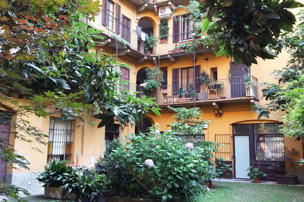 Studio apartment via pietro custodi apartments for rent for Via pietro mascagni 8 milano