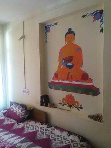 ANANDAM ROOM 3, THE BUDDHA ROOM / UNIT ONE